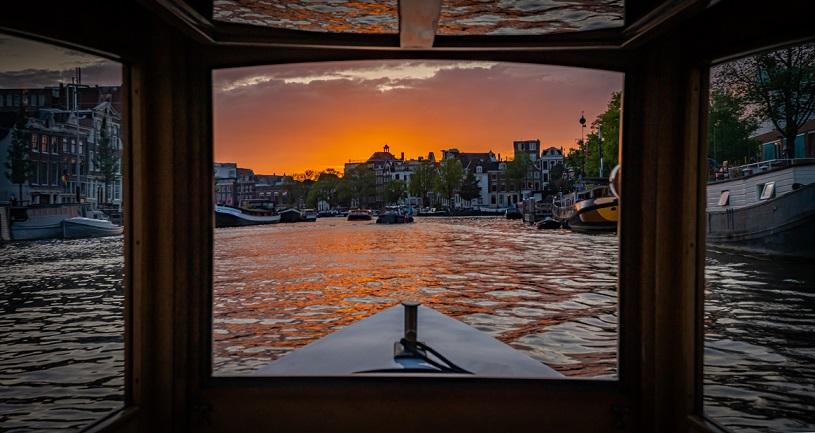 romantic canal cruise amsterdam